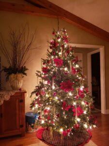 Easy Christmas Tree Trimming